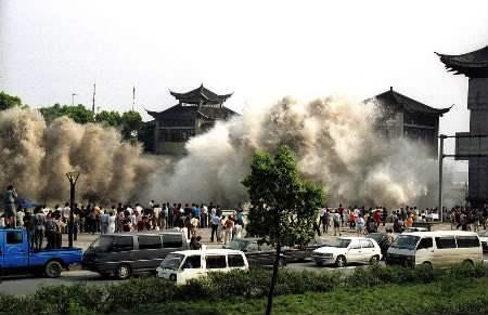 На японию движется цунами выдержит ли