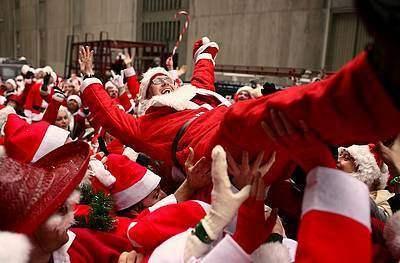 15 декабря в Нью-Йорке прошел съезд Санта-Клаусов