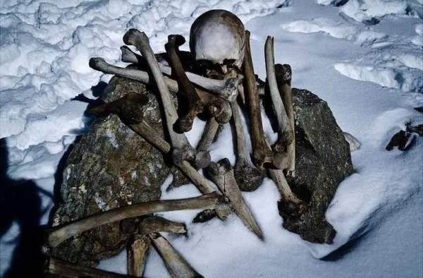 uchenye-otkryli-tajnu-ozera-skeletov-_42639_6