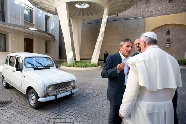 папа римский и рено