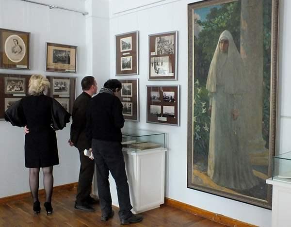 романовы выставка новгород