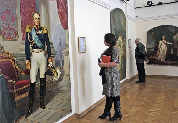 романовы выставка новгород5