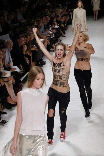 FEMEN в париже4