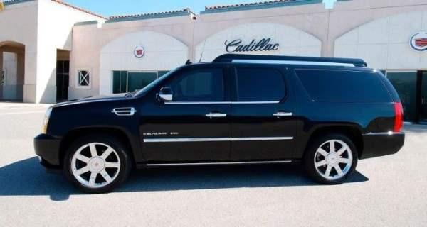 Cadillac-Escalade-ESV3