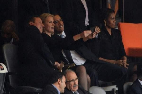 Обама и Дэвид Кэмерон веселились на похоронах Манделы, (1 фото)