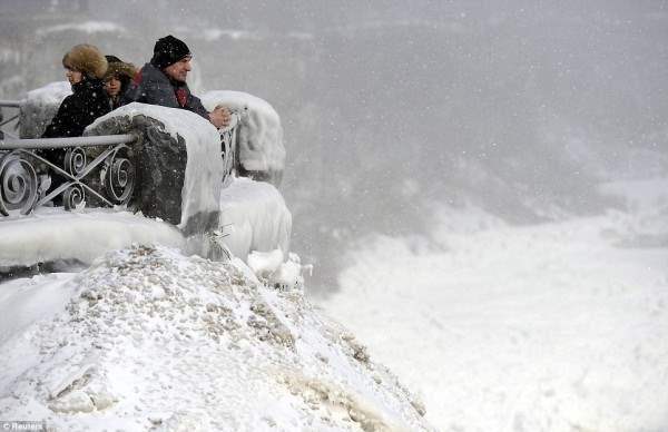 ниагарский водопад замерз5