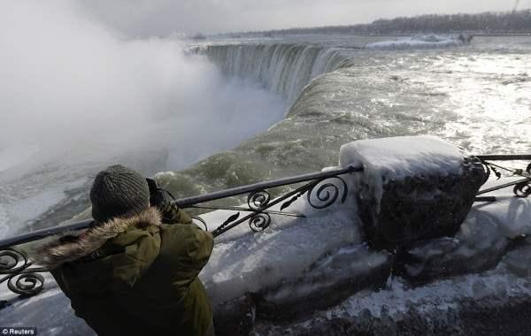 ниагарский водопад замерз8