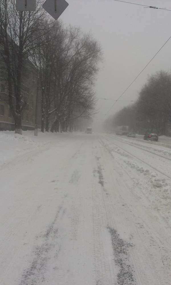 снег в днепропетровске 28 января 2014. 16