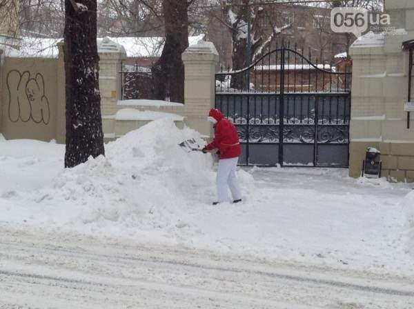 снег в днепропетровске 28 января 2014. 7