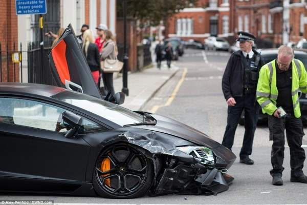 lamborgini crash2