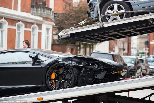 lamborgini crash6