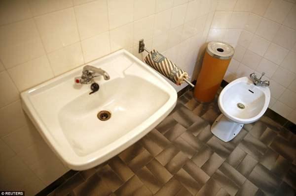 Ванная и отдельный туалет Тито в секретном бункере