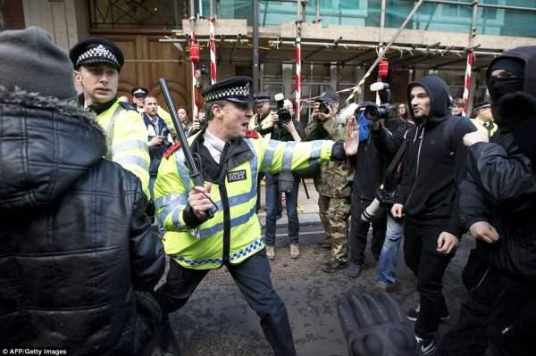 великобритания протесты13