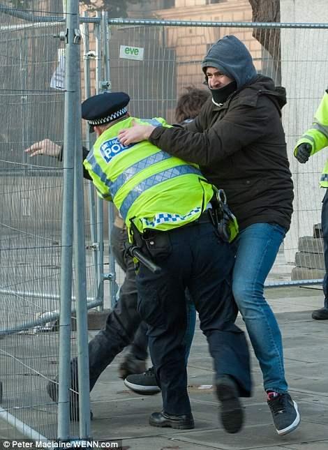 великобритания протесты28