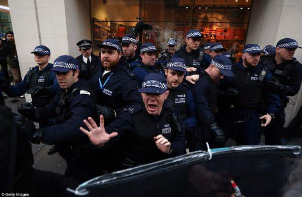 великобритания протесты43