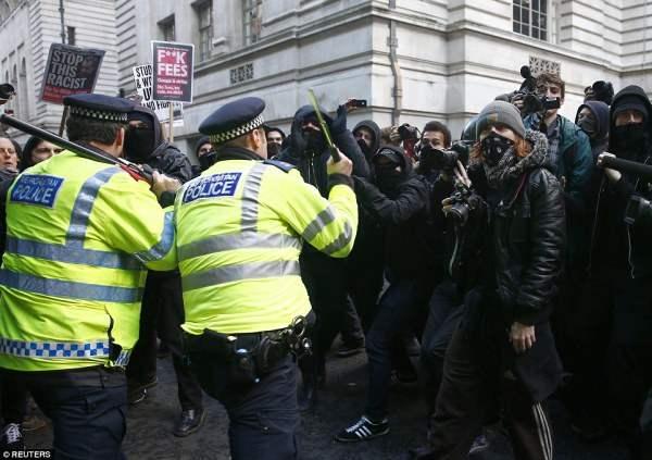 великобритания протесты7