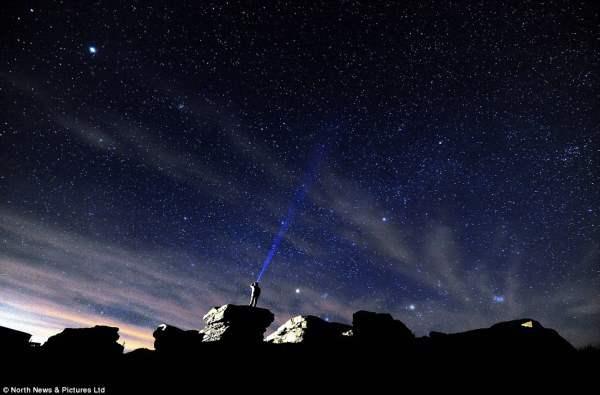 Чудесное звездное небо, сфотографированное в Северном Йоркшире.