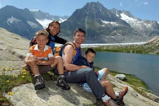 В Швейцарии целая семья не имеет отпечатков пальцев.