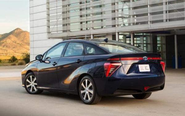 Toyota Mirai3