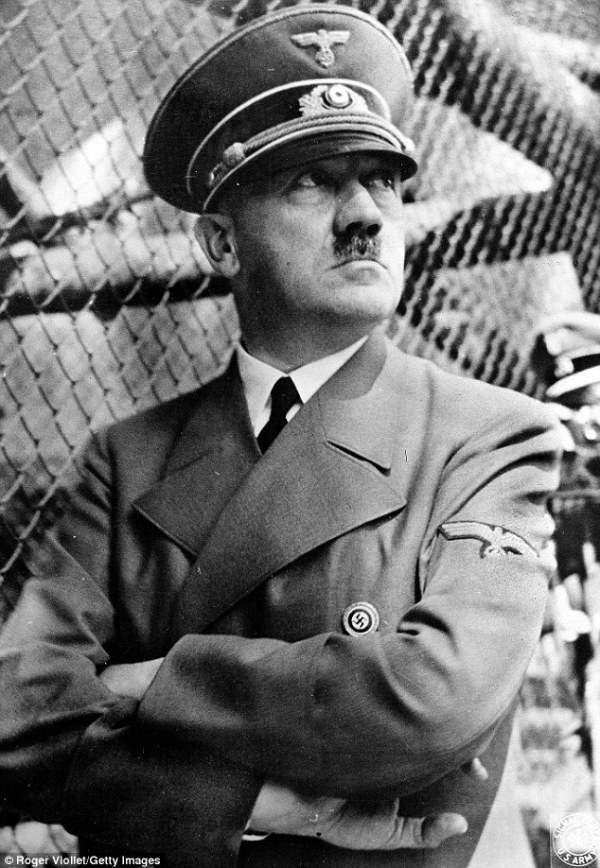 Были предположения, что Адольф Гитлер инсценировал собственную смерть и бежал в Южную Америку, где и доживал свои года вплоть до 1990-х.