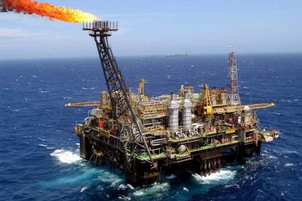 Страны Персидского залива не будут сокращать добычу нефти