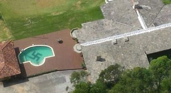 свастика бассейн