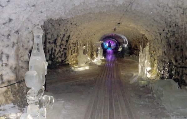 Удивительное хранилище в Якутске - природная пещера