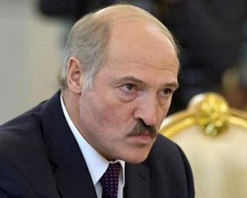 Александр Лукашенко готов взять самолеты, а базы разместить не готов.
