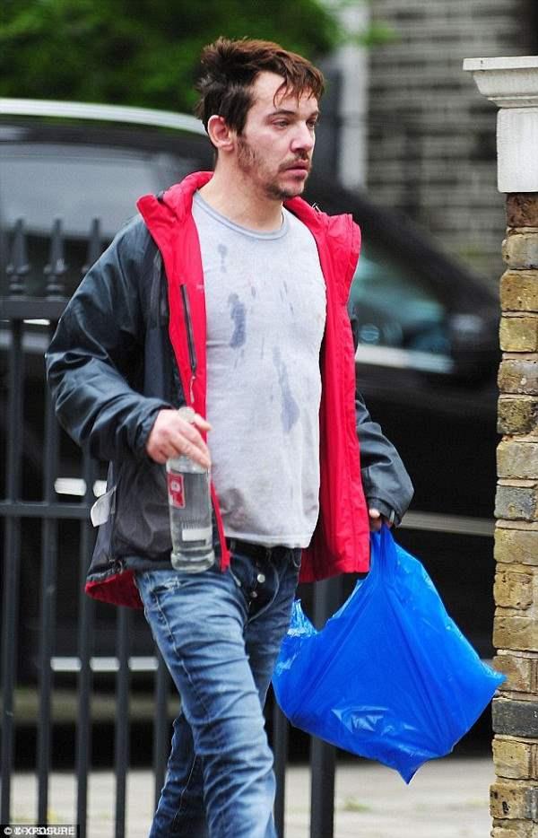 Джонатан Рис-Майерс стал алкоголиком.