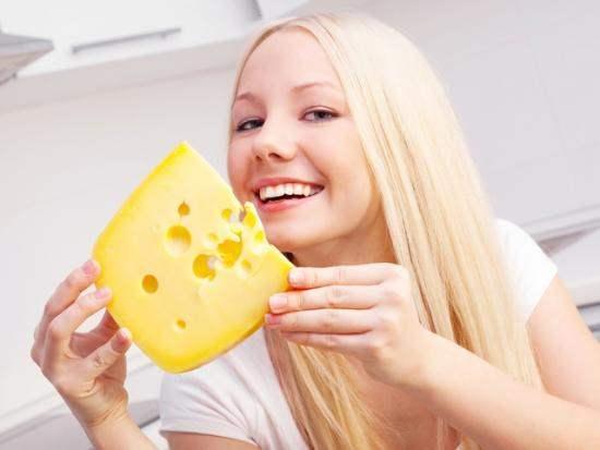 ест сыр