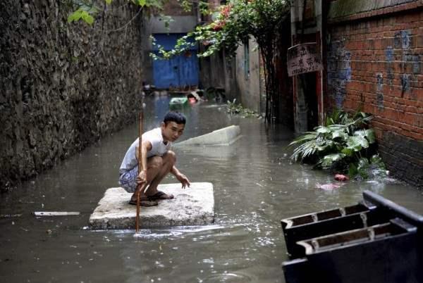 Самое страшное за последние 40 лет наводнение произошло в Китае