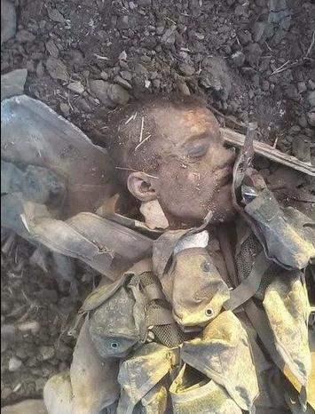 На Донбассе найдено захоронение российских военных (16+)