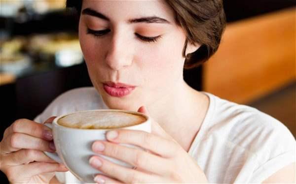 Более четырех чашек кофе в день вредно для здоровья