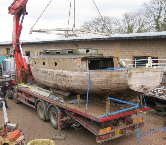 Нидия - немецкая лодка, которая помогала в переправке войск с одного берега на другой в  Дюнкерке. Большую часть войны она находилась в доках Чатама.