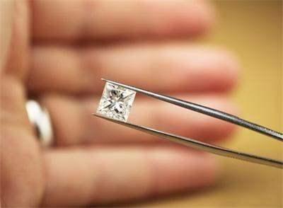 Уникальные алмазы исчезли из государственного хранилища в России