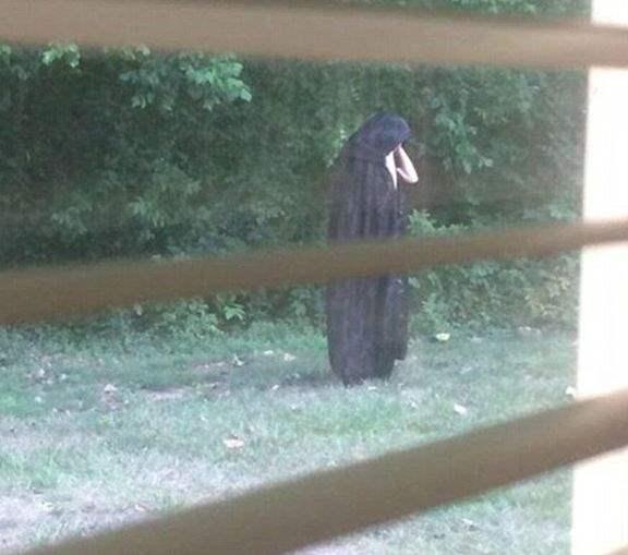 Ведьма в США напугала людей своим ритуалом.