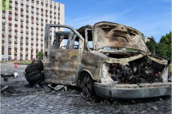 В Донецке партизаны взорвали автомобиль с командирами ДНР