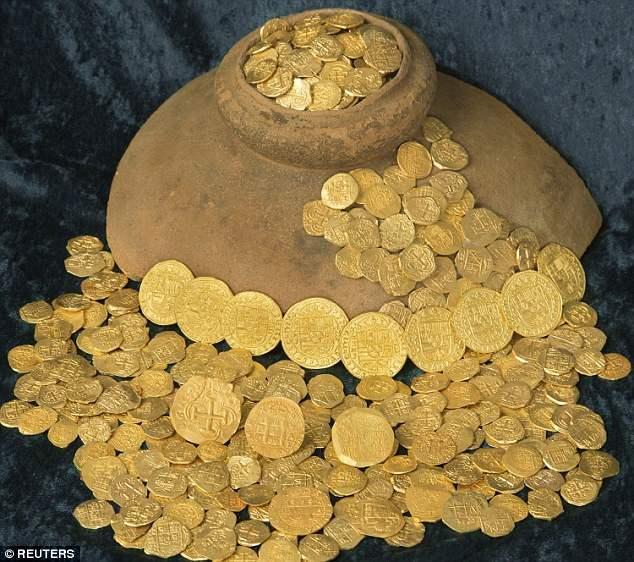 Тремя членами экипажа монеты были найдены  в неглубоких водах Веро-Бич, штат Флорида. Поиск на месте был выбран потому, что он был близок к предыдущему открытию.