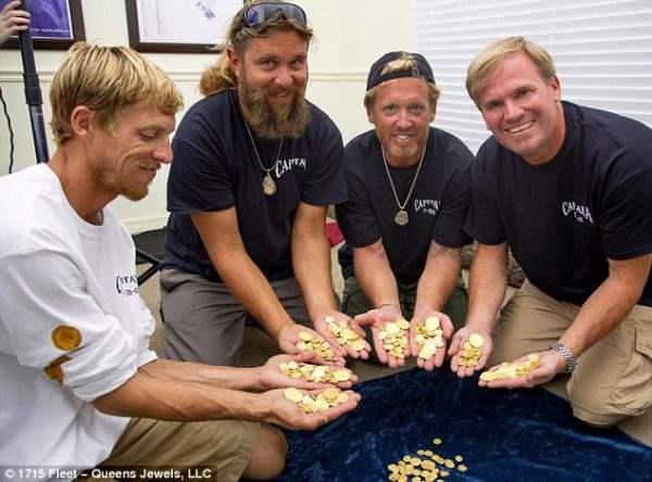 Флоридские дайверы нашли Испанский клад.