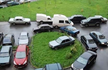 В Москве запретят парковаться во дворах.
