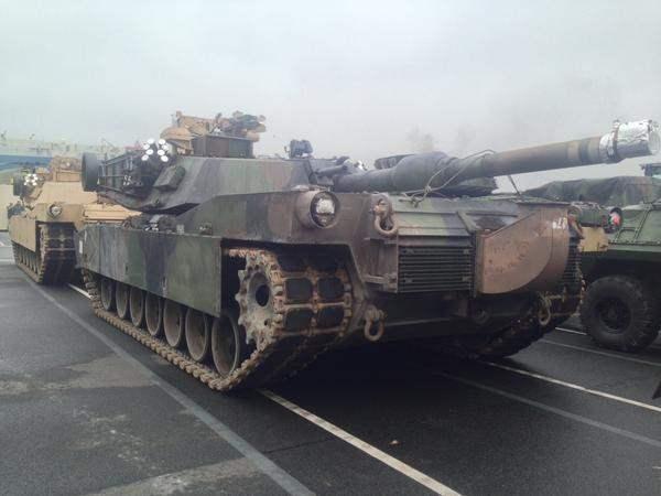 В Болгарию прибыли военные США с техникой.