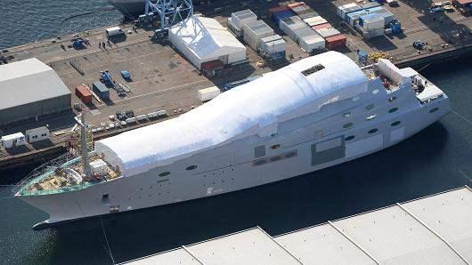 Бизнесмен Андрей Мельниченко купил яхту за 451 млн. долларов США