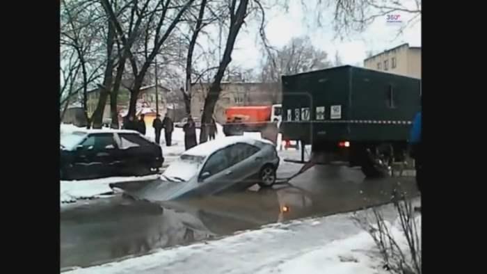 В Жуковском спасали машину (Видео)