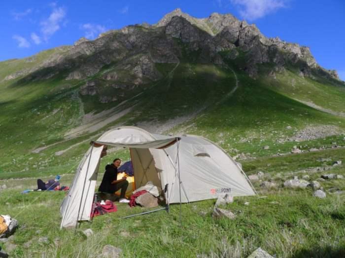 Пора выбирать палатки