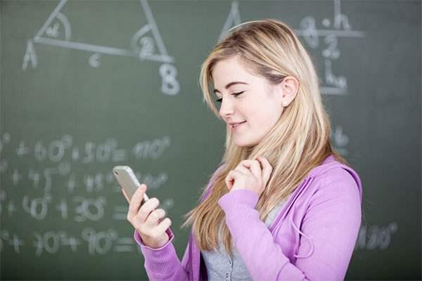 Почему молодежь выбирает смартфоны?