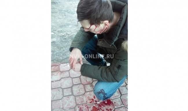 В Якутске мужчину едва не убила глыба льда