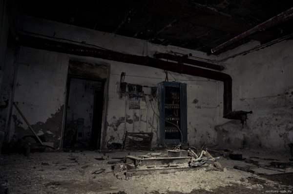 Под Тольятти ребенок провалился в 2-метровый погреб в заброшенном здании