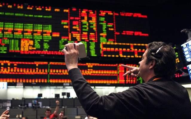 Инвестиции на фондовых биржах – доступно всем.