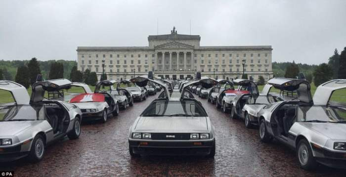 Сходка автомобилей DeLorean в Белфасте (фото)