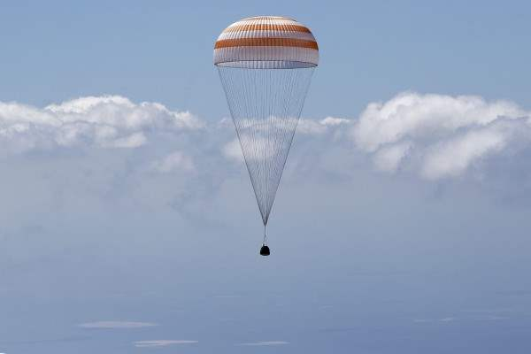 казахстан приземление космонавты (11)